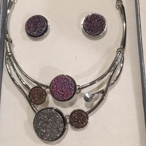 Jewelry - Druzy necklace & earring set